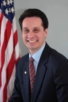 16soargue - State Senator Vinny deMacedo, the YES voice. (handout)