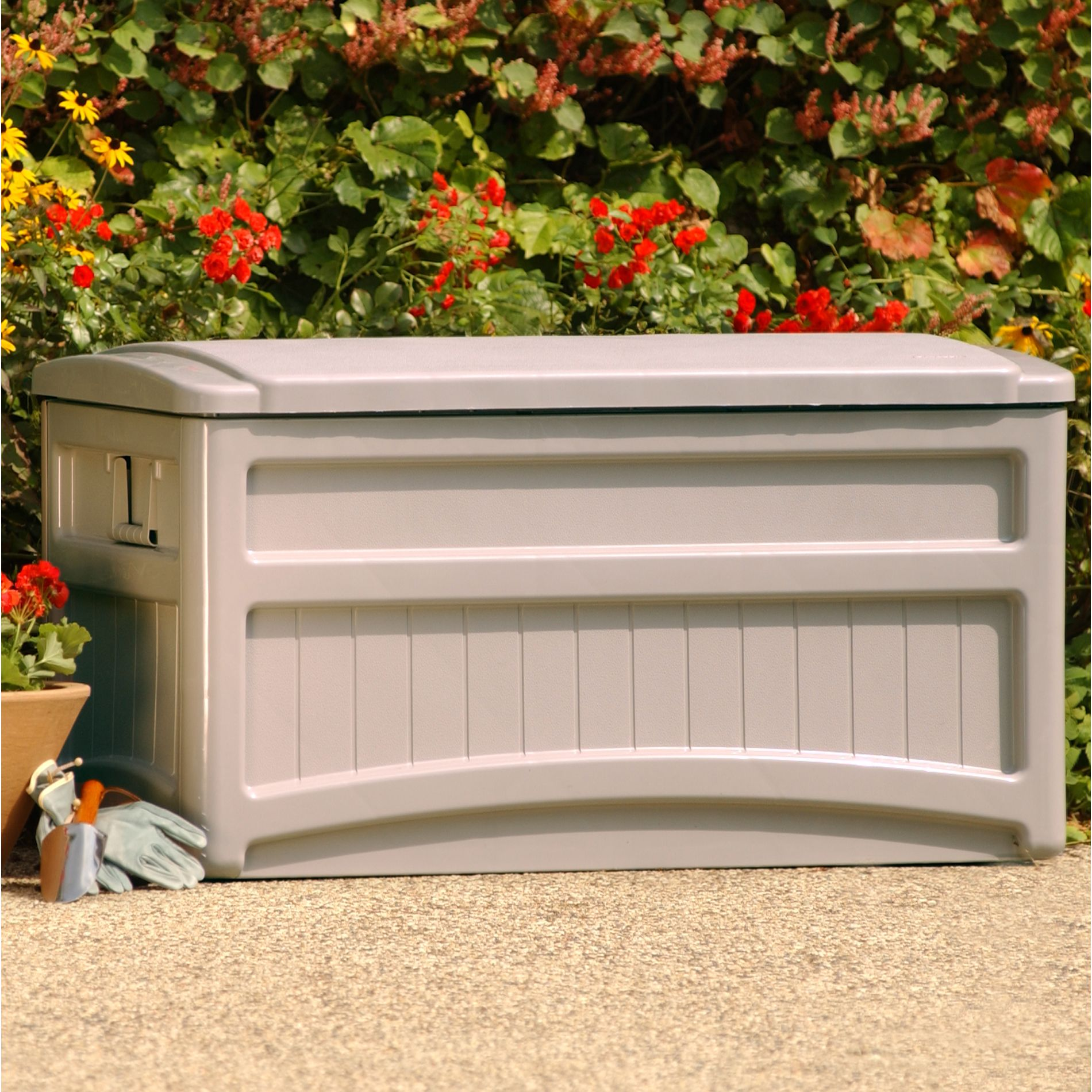 Suncast Outdoor Storage Box WWheels