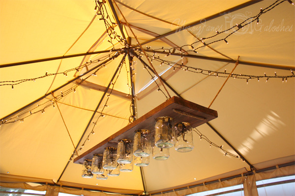 Light fixture hanging
