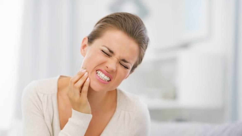 Řeč těla: Co nám odkrývají potíže se zuby?