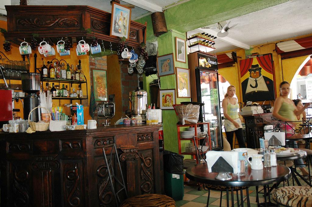 Art Cafe Waitresses Amp Bar Puerto Vallarta The Old Secti