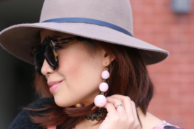 floppy-hat-karen-walker-sunglasses-bauble-bar-earrings-8