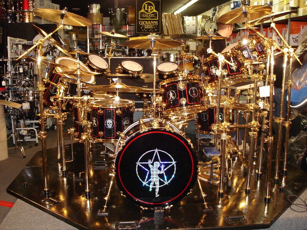 Neil Peart s Drum Kit in Pittsburgh   Prof Tour   LerxstKing   Flickr     Neil Peart s Drum Kit in Pittsburgh   by LerxstKing