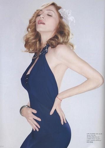 女王の告白 elle_jp_madonna_200604_258(3)