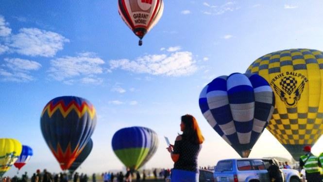 HotAir Balloon Fest x Adam Elements by Earthlingorgeous