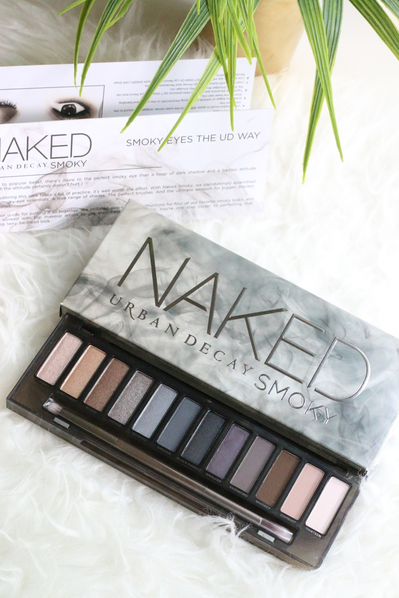 Urban-Decay-Naked-Smoky-palette-eye-shadow