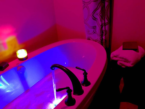 Chromatherapy Tub
