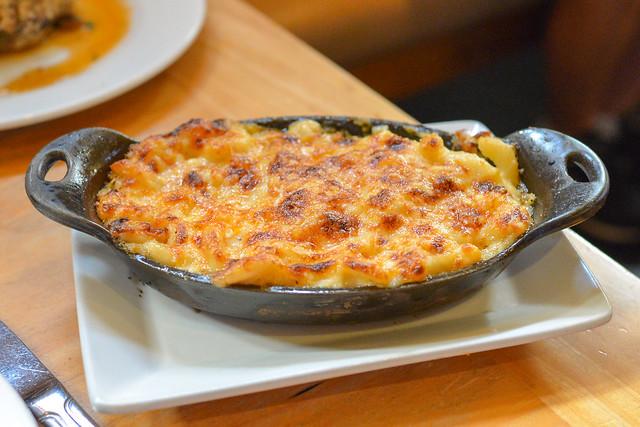 macaroni & cheese casserole