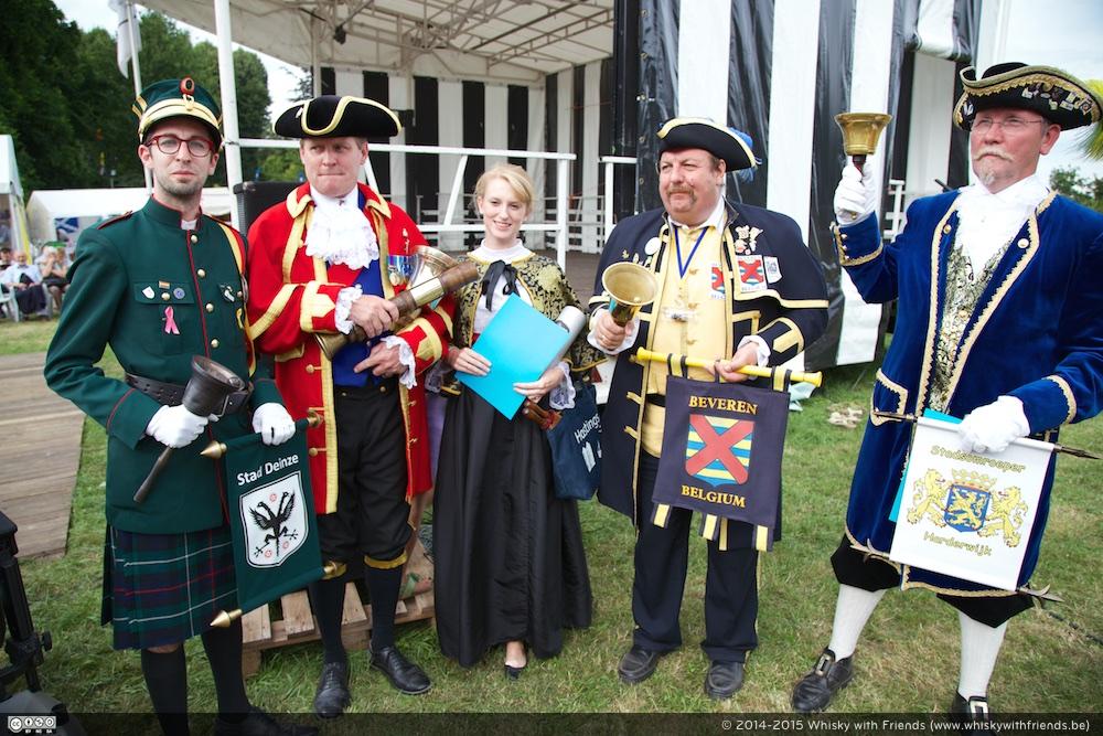 Een aantal Town Criers die deelnamen aan de Town Criers Award