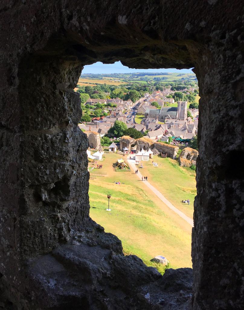 """Castillo de Corfe - La Bruja Novata - Inglaterra castillo de corfe Escenarios de """"La Bruja Novata"""" – Castillo de Corfe 32050390643 0c2faa6378 b"""