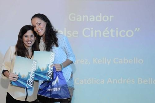 """El audiovisual """"Valse Cinético"""" de las estudiantes de la UCAB Yelindi Pérez y Kelly Cabello, recibió el reconocimiento """"Conexión Artística""""."""