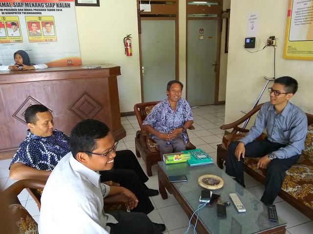 Komisioner KPU Tulungagung Menerima Kunjungan Ketua PERCATU (7/2)