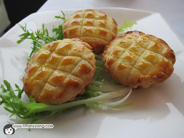 Tien Yi Char Siew Sou (Baked BBQ Pork Puffs)