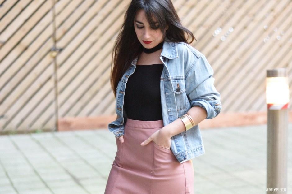 Shell Pink & Choker Bardot