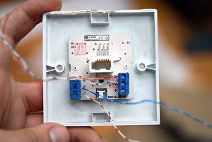 How to wire a BT Phone Socket   This is how to wire up a
