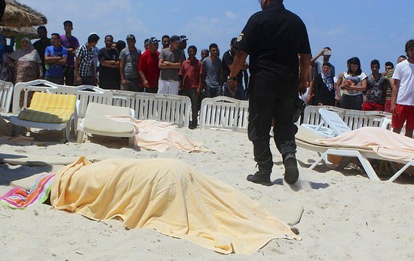Ataque terrorista en playa de Túnez deja 37 muertos