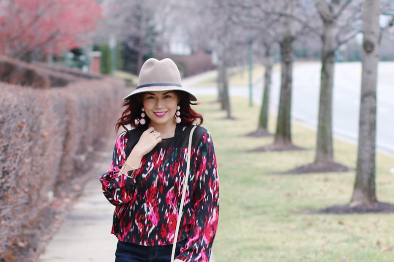 valentines-day-red-blouse-hat-4