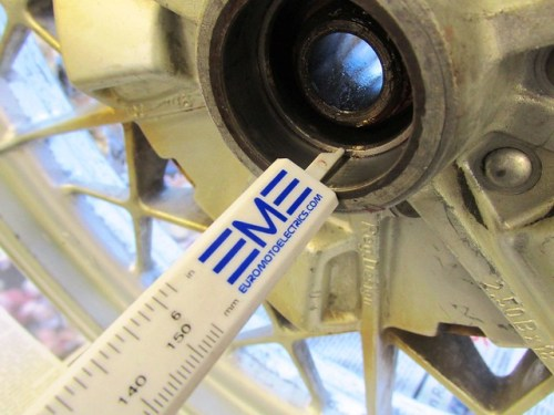 Measuring Rear Bearing Outer Race Depth
