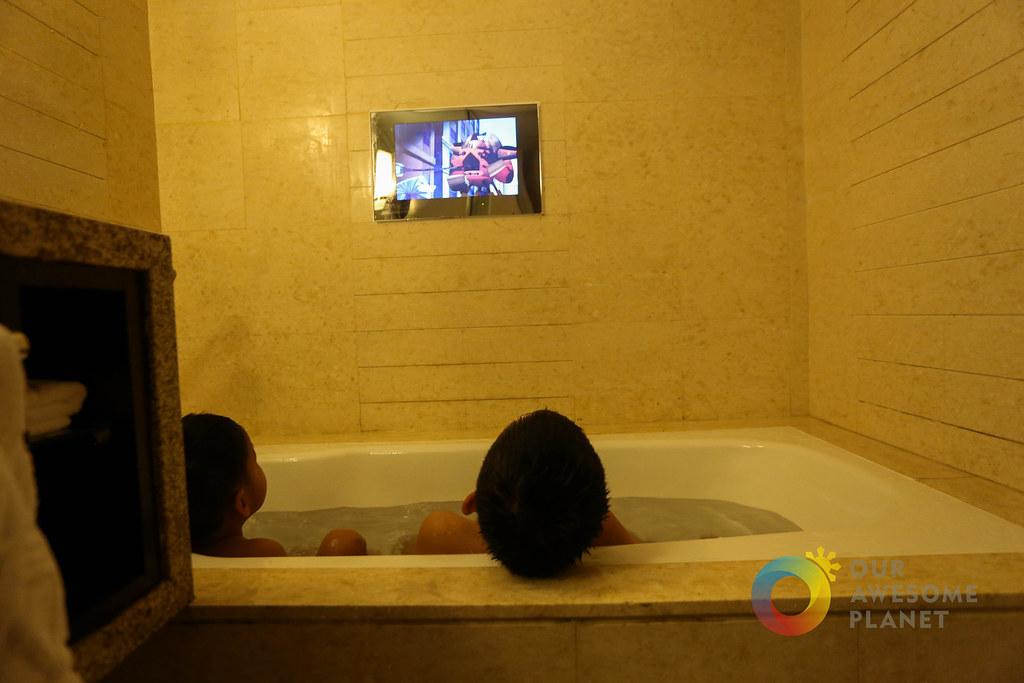 Bath Tub-1.jpg