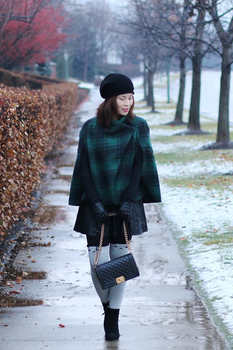 green-plaid-cape-chanel-bag-knee-socks-9