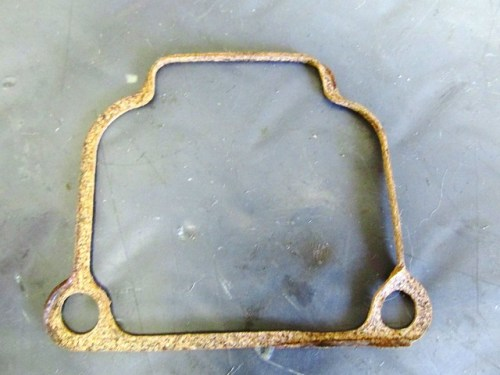 Right Float Bowl Gasket is Crimped