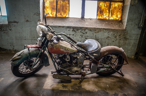Antique Indian Motorcycle-004