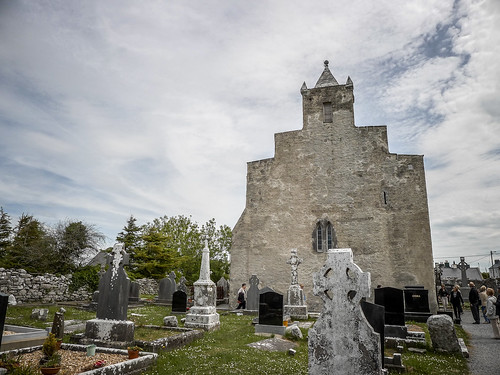 Kilfenora Cathedral and High Crosses-022