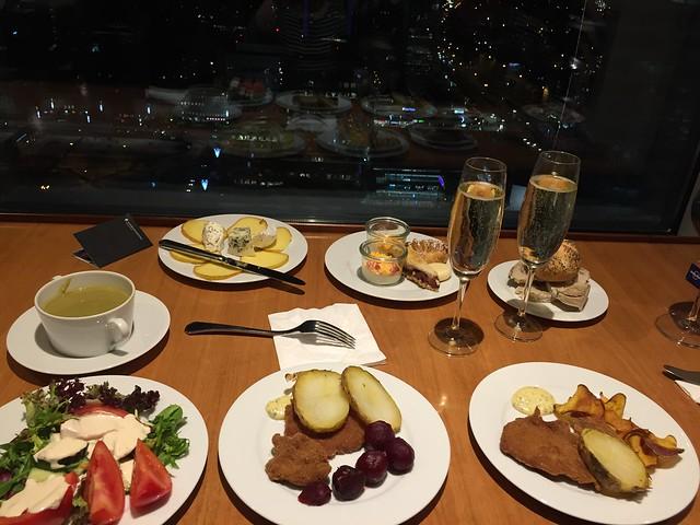 Nuestra pequeña cena en el Club Intercontinental de Varsovia