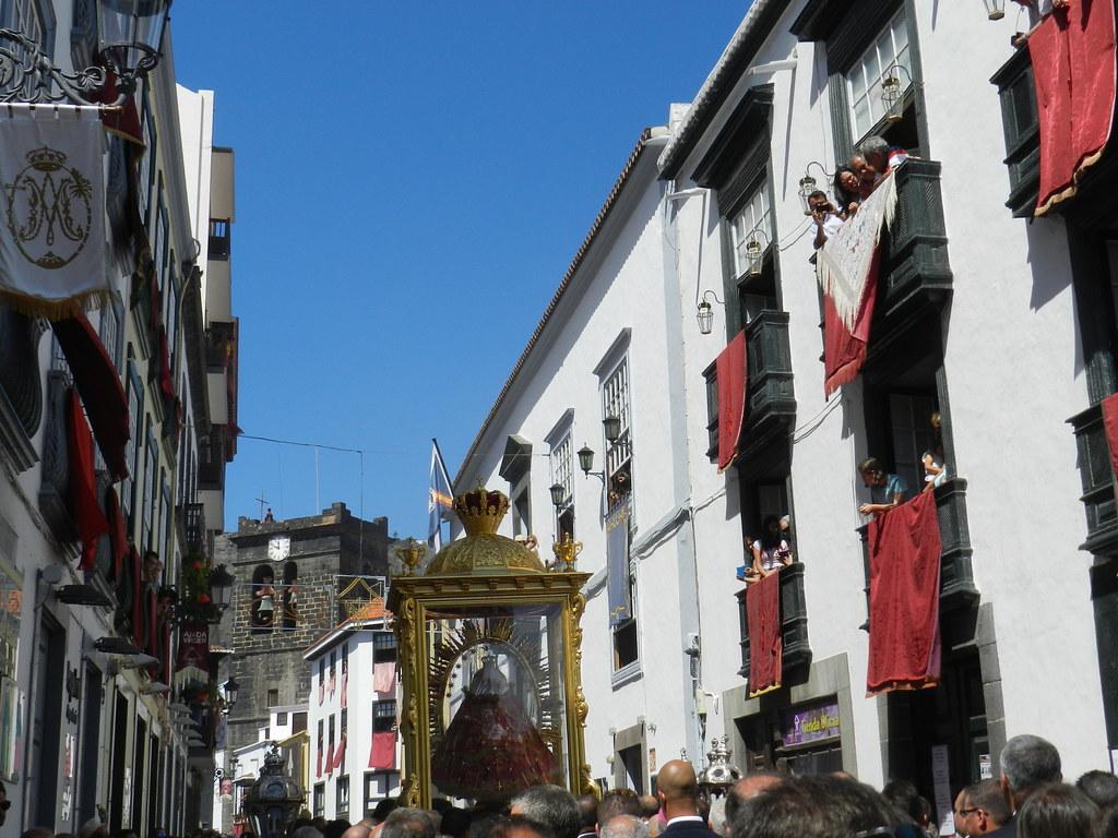 fiestas lustrales Llegada de la Virgen a Santa Cruz de La Palma procesión desde el Castillo hasta Iglesia de El Salvador 24