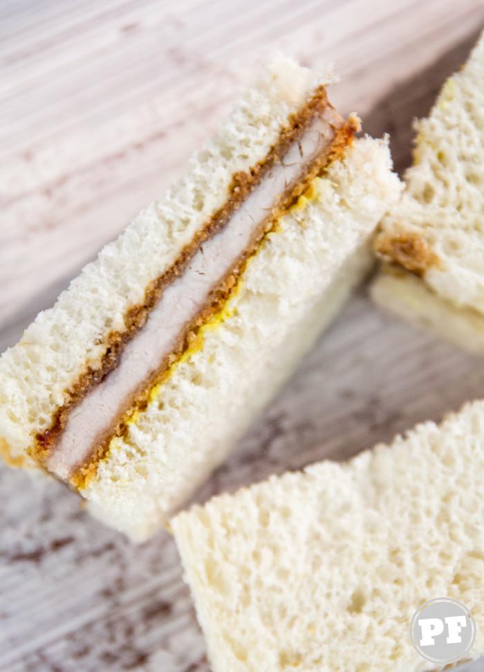 Katsu Sando: Sanduíche de Porco à Milanesa (Tonkatsu) por PratoFundo.com