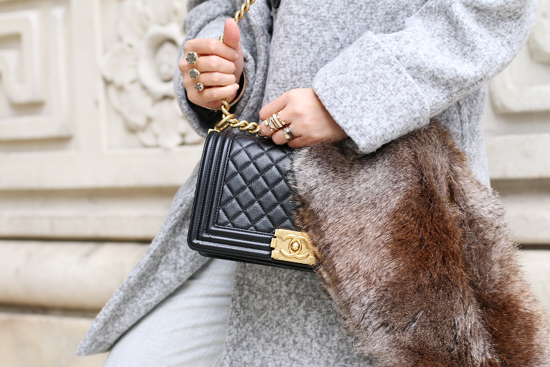 gray-outfit-chanel-boy-bag-faux-fur-stole-4