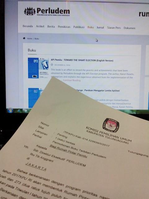 Surat permintaan buku kepada Perludem dari KPU Tulungagung (6/2)