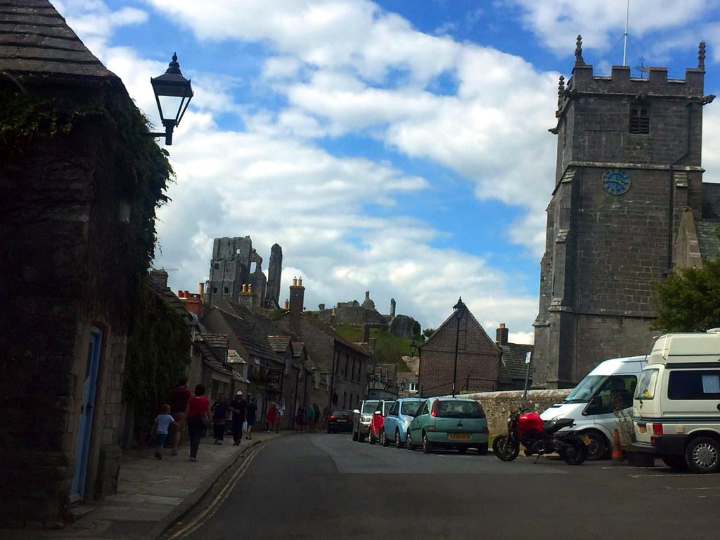 """Castillo de Corfe - La Bruja Novata - Inglaterra castillo de corfe Escenarios de """"La Bruja Novata"""" – Castillo de Corfe 32022195294 ca334c6123 b"""