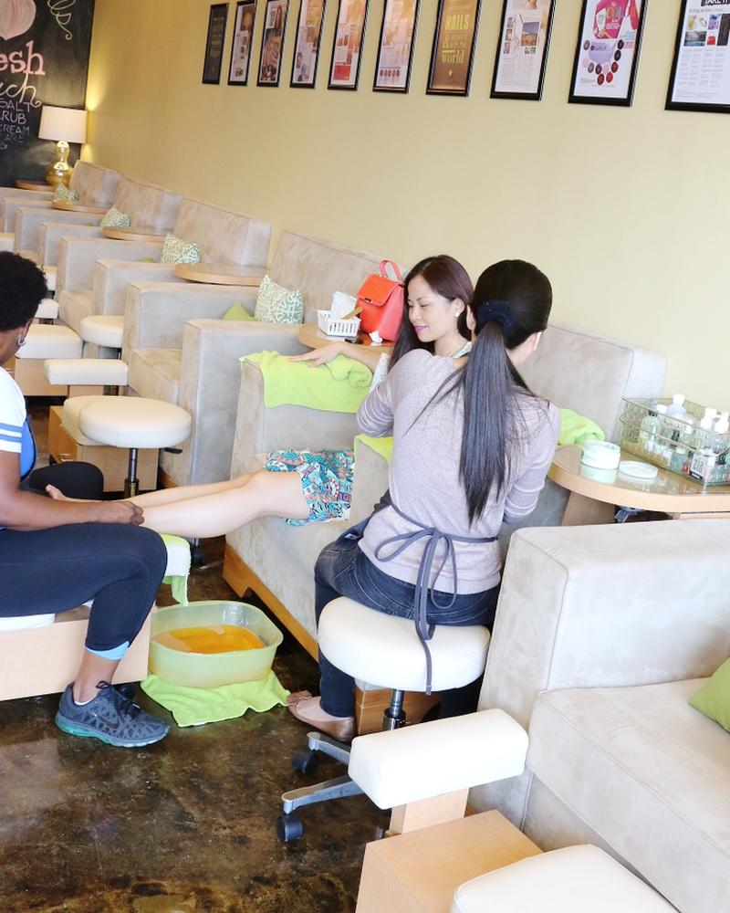 getting-manicure-pedicure-1
