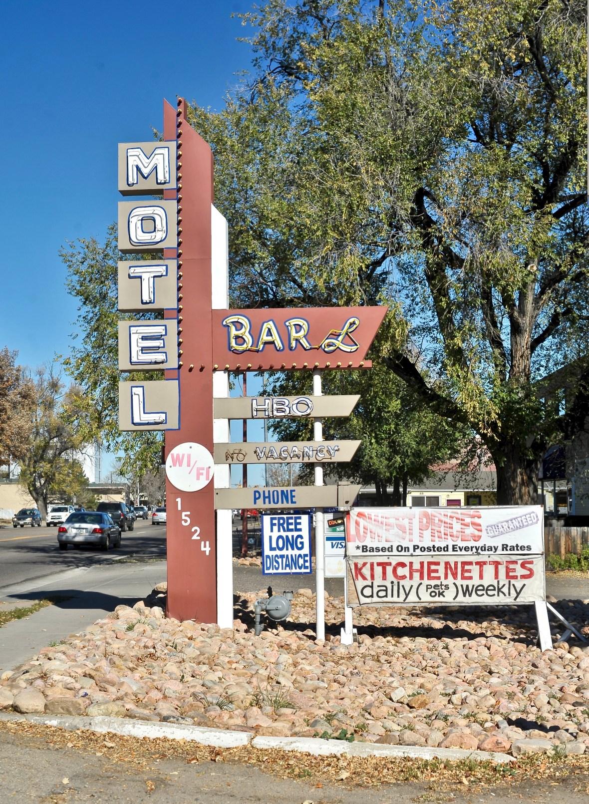 Bar L Motel - 1524 Main Street, Longmont, Colorado U.S.A. - October 25, 2017