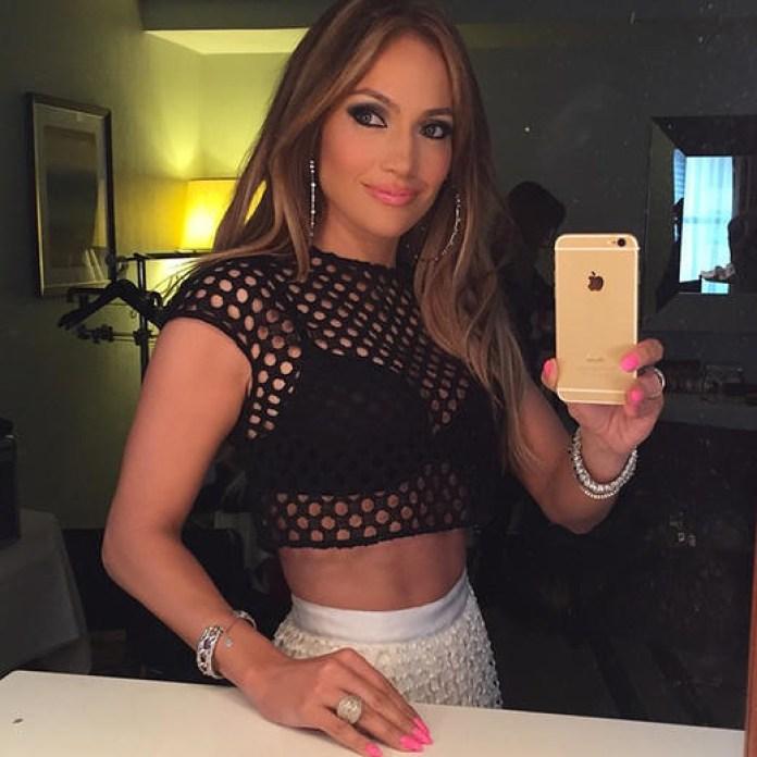 top 10 selfie poses