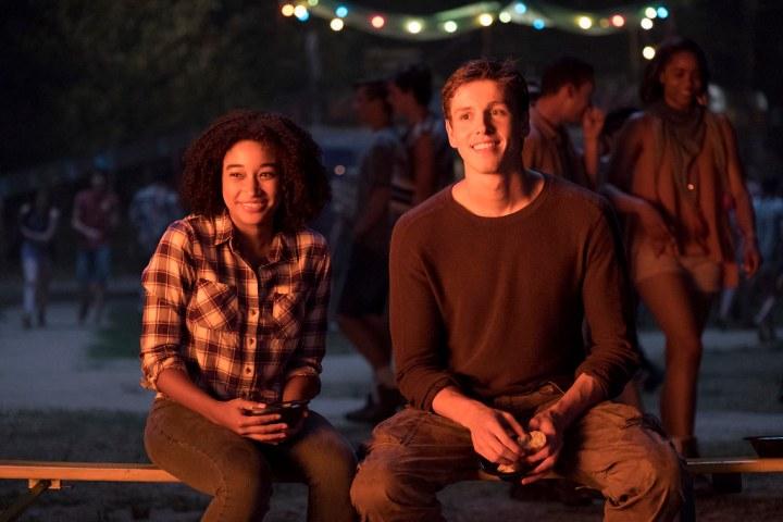 Amandla Stenberg and Harrison Dickinson in The Darkest Minds. (Credit: Twentieth Century Fox)