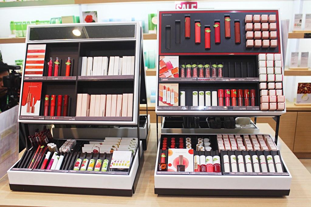 Nature Republic makeup section