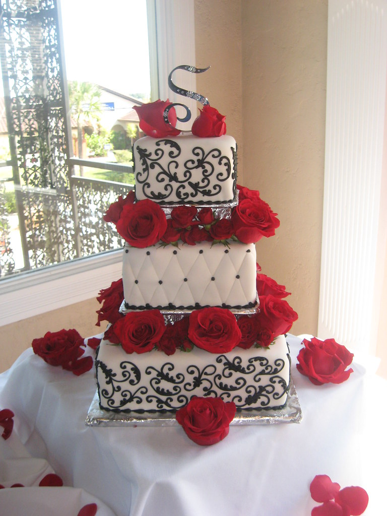 White  Black and Red Roses Wedding Cake   White  Black and R      Flickr     Chocolate White  Black and Red Roses Wedding Cake   by 3 Sisters  Chocolate