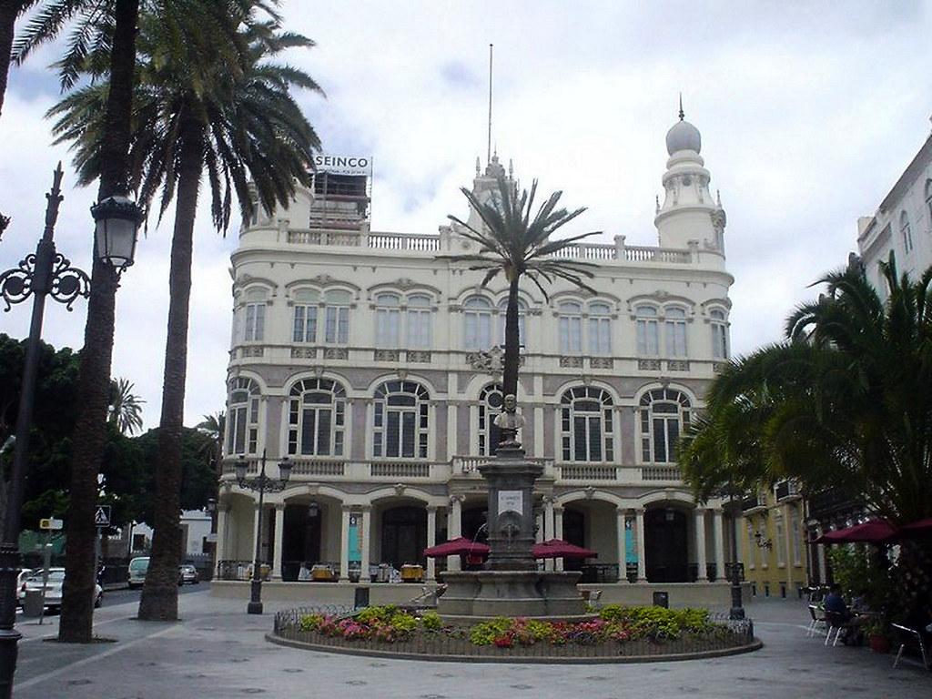 Plaza de Cairasco Gabinete literario barrio de Triana Palmas de Gran Canaria