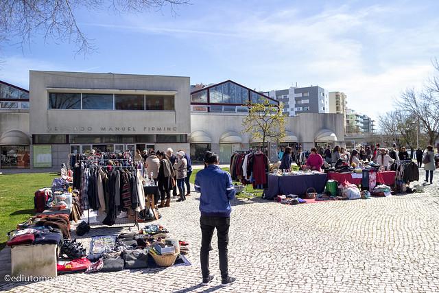 Flea Market, Aveiro.jpg