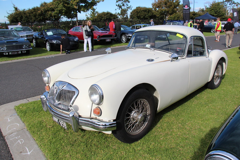 1959 austin cars      Car Models   Auto Models Wallpapers 1959 austin cars      1961 MGA Mk II Coupe The MG was introduced in 1923 a