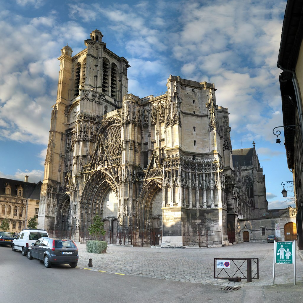 Chartres France Map World