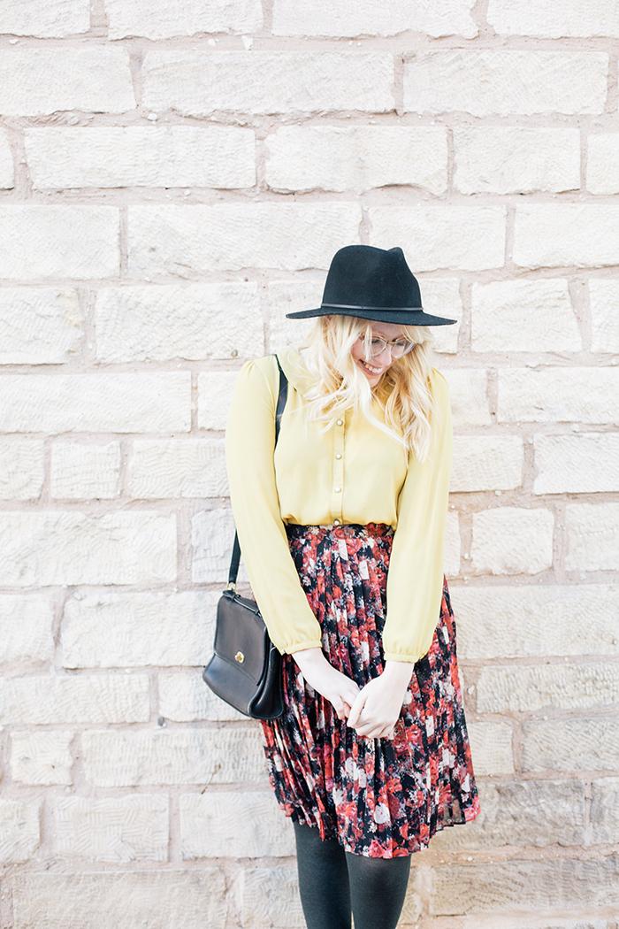 austin fashion blogger floral midi skirt winter outfit12