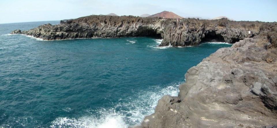 Los Hervideros Lanzarote 02