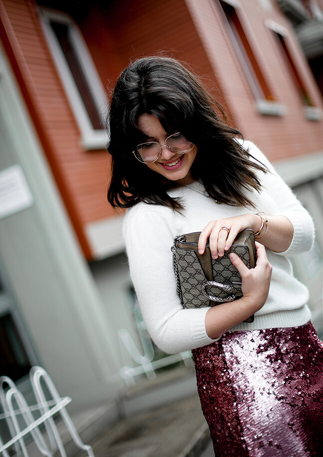 falda-lentejuelas-rosa-midi-isabel-marant-sneakers-farfetch-myblueberrynightsblog6