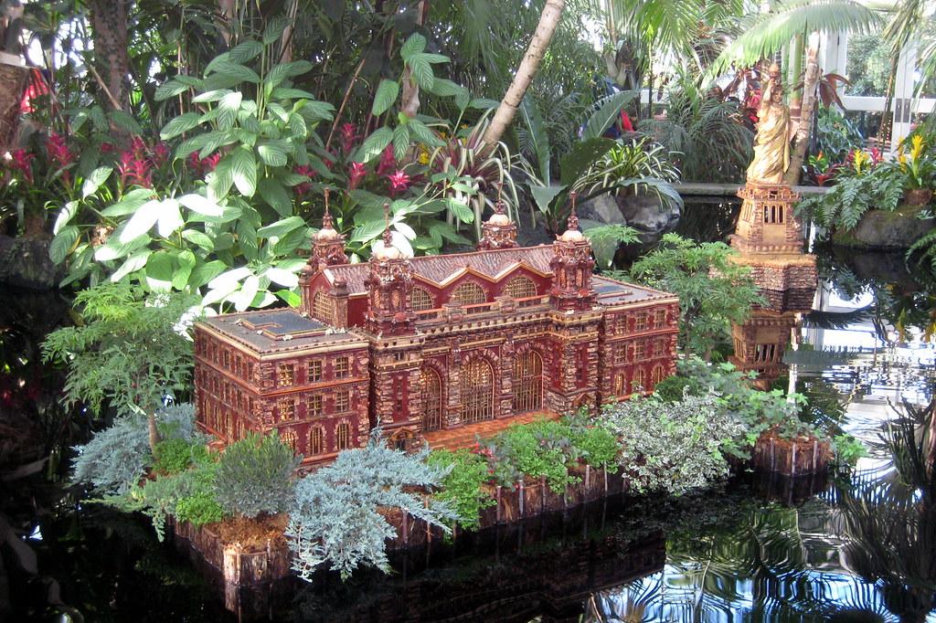NYC Bronx New York Botanical Garden 2007 Holiday Tra