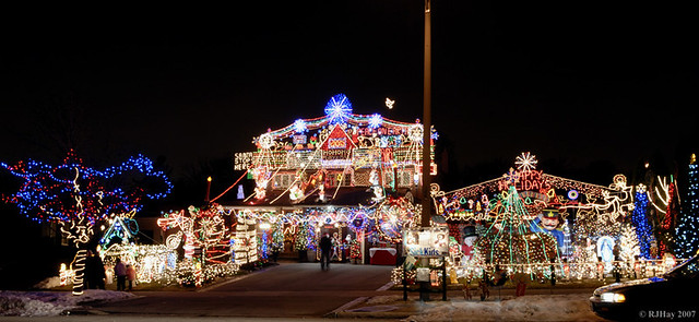 Toronto Christmas Lights A Small Glimpse At How One Toront Flickr