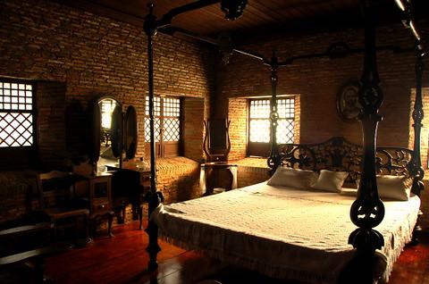 Juan Lunas Bedroom Nena Flickr