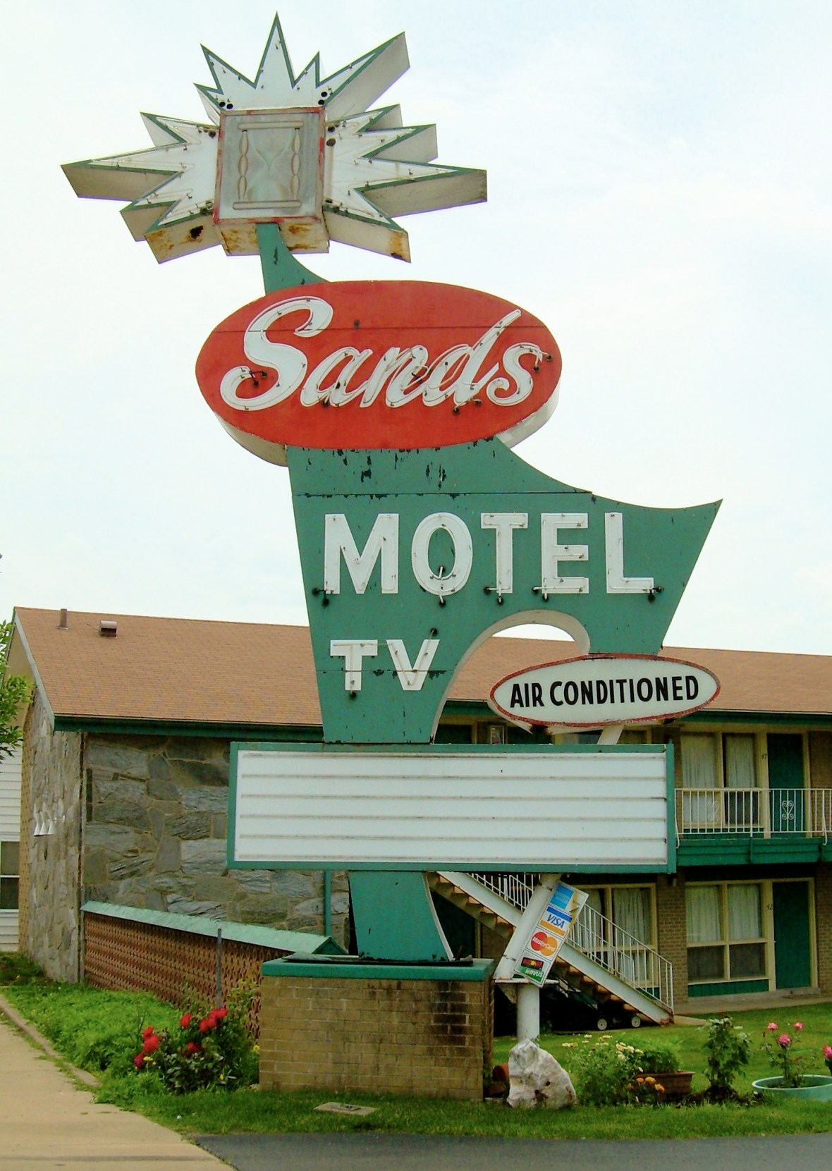 Sands Motel - 1215 La Salle Street, Ottawa, Illinois U.S.A. - June 14, 2009